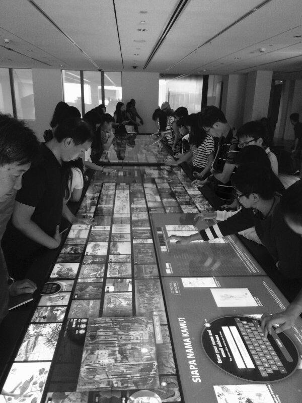 Social table 600x800
